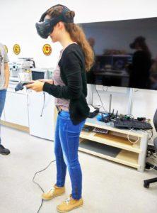CCEC Mitarbeiter testen Augmented und Virtual Reality
